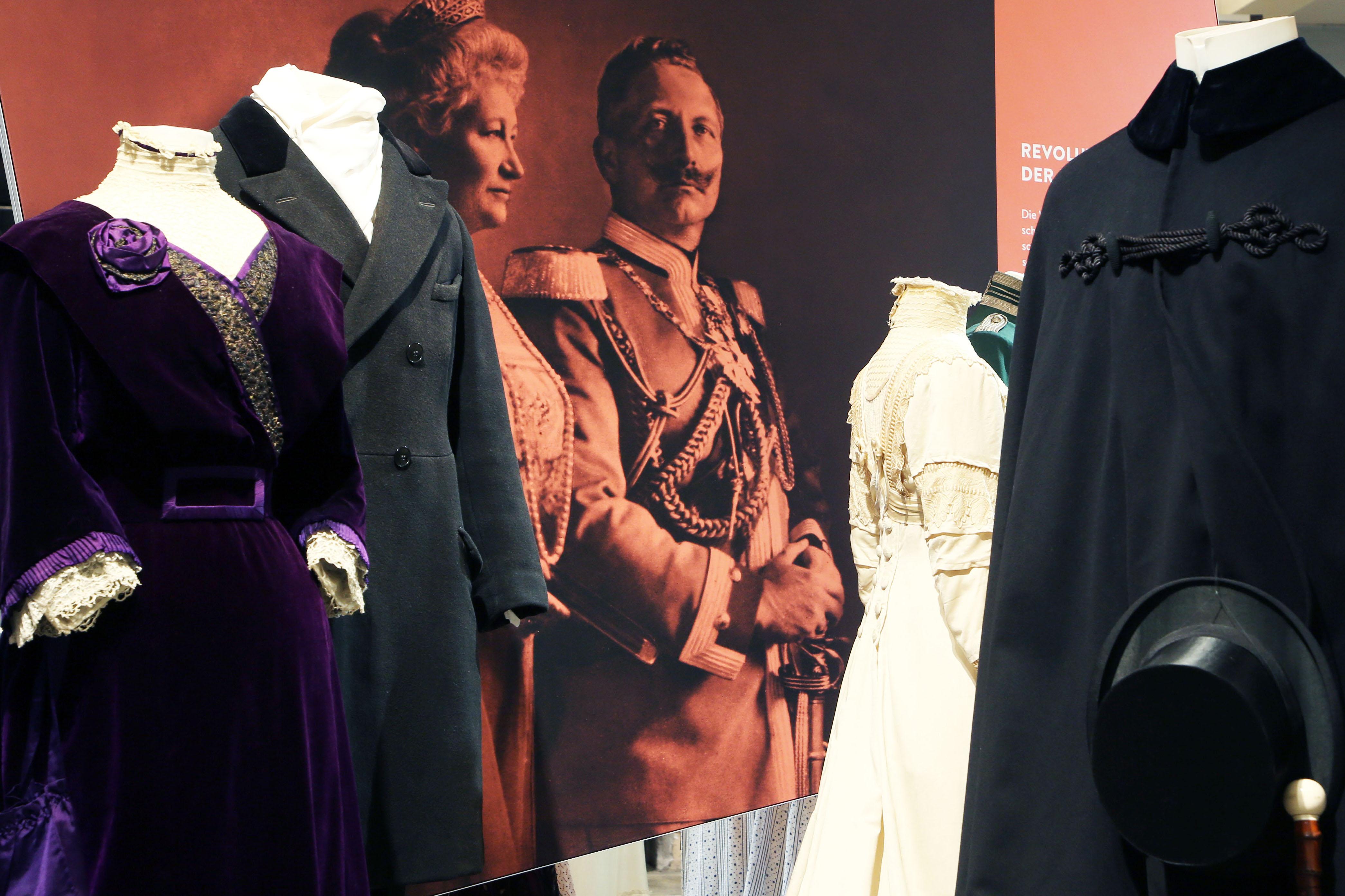 """Einladung: Führungen zur Ausstellung """"Mythos neue Frau"""""""